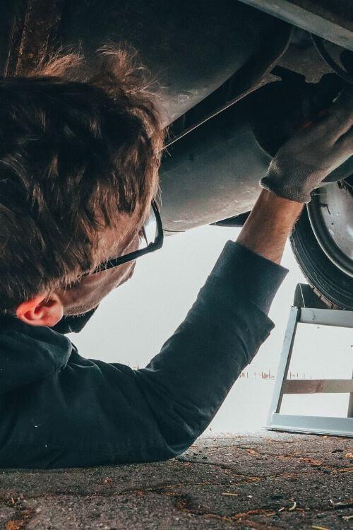 Apua auton korjaukseen